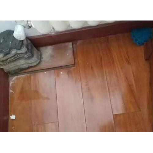 昆泉天籁村29号楼住户暖气被莫名开通 地板被泡坏无人负责