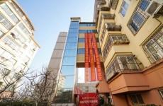 李村首个老楼加装电梯交付 果园路小区居民称像乔迁洋房